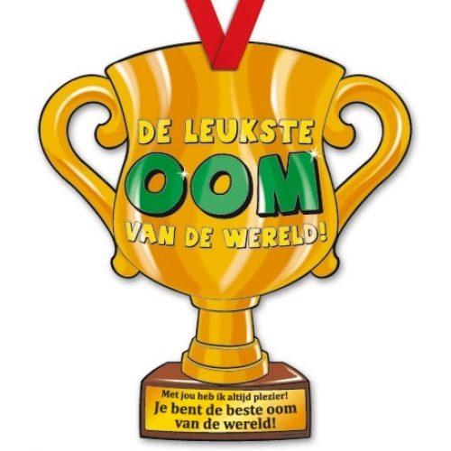 Trophy met Lint 19-Leukste oom